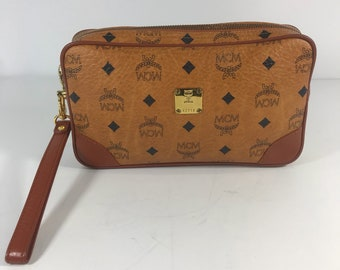 007046324161 80s MCM Rare Vintage Authentic Cognac Visetos Leather Trim and Canvas  Wristlet Clutch Made in Germany Excellent Condition