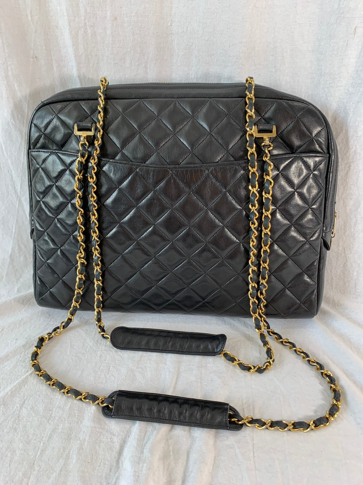 1c37efe63b77 CHANEL Vintage Classic Quilted Black Leather Chain Link Shoulder Bag Purse  Made in France