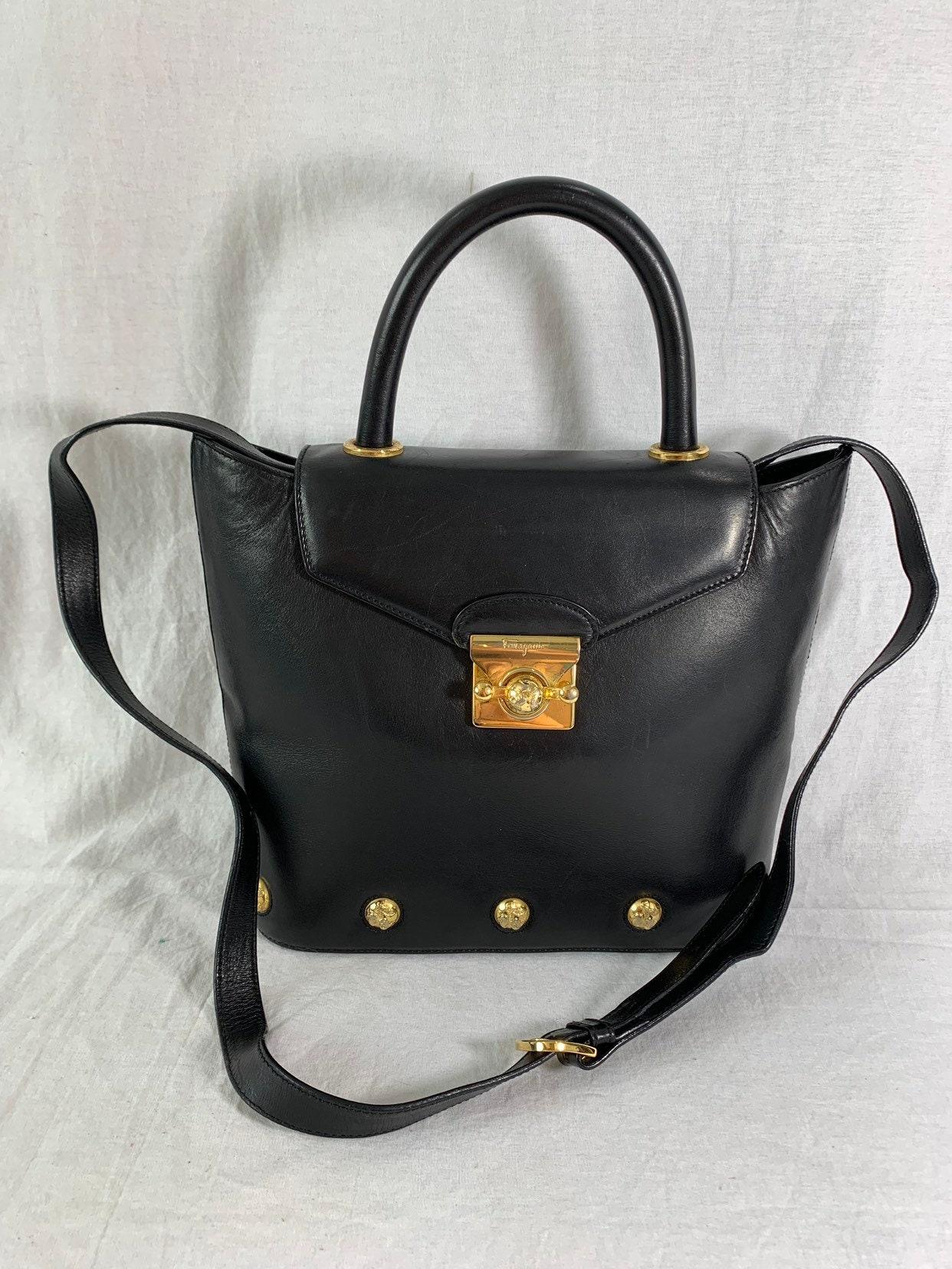 SALVATORE FERRAGAMO Vintage Authentic Black Leather Shoulder Bag Made in  Italy f2119183df7ee