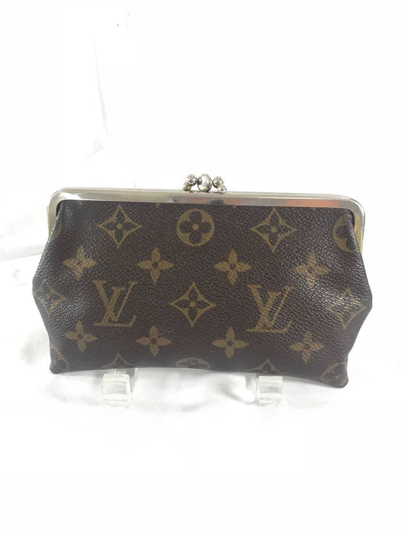 LOUIS VUITTON Rare Hard to Find Authentic Kisslock Coin Wallet Made in USA 5bf9c1c4ec