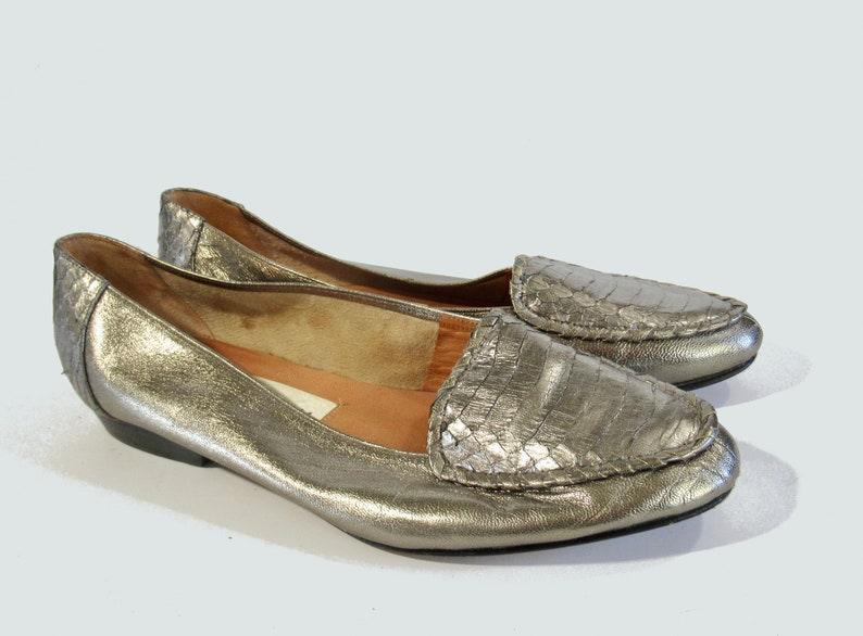 7090f8742bc Vintage 80s Taiwan Nordstrom Silver Butter Soft Leather Flat Loafer  Moccasin Snake Heel 7 M