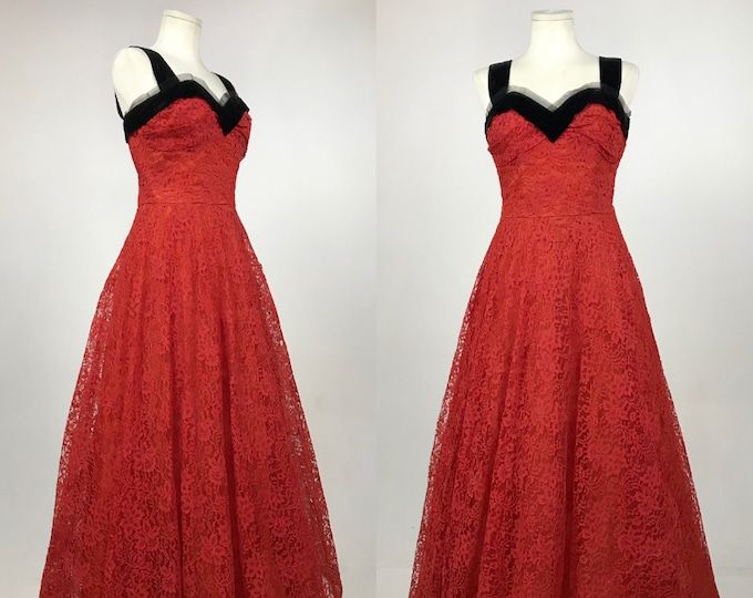 Vintage 1950's Red Chantilly Lace Prom Dress - 50's Red Wedding Gown - Rockabilly Pin-Up Cupcake Dress Old Hollywood Glam - Current Size 10