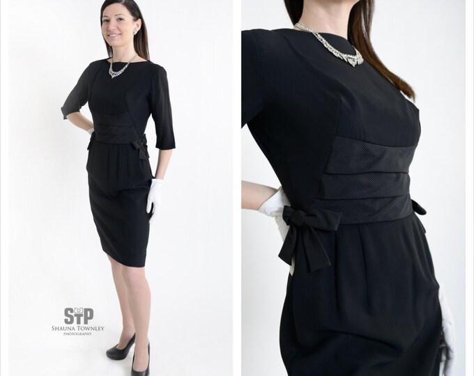 1960's Little Black Dress // Vintage Wiggle Dress // 60's Black Crepe Cocktail Dress // Size Small
