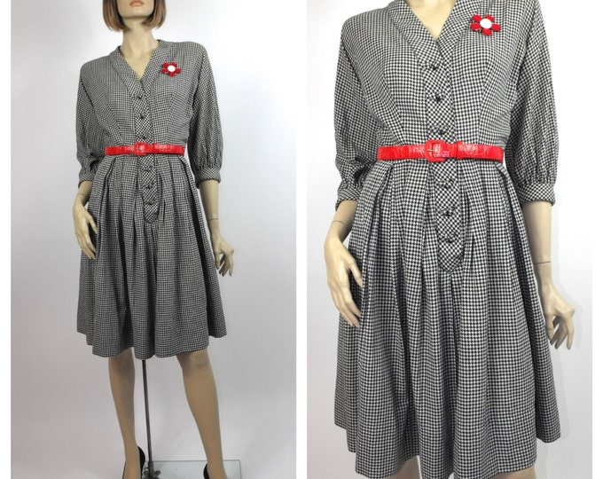 1940's Navy & White Houndstooth Cotton Day Dress // 40's Rockabilly Dress // Pin-Up Girl Dress // Size 6 to 8 ~ Medium
