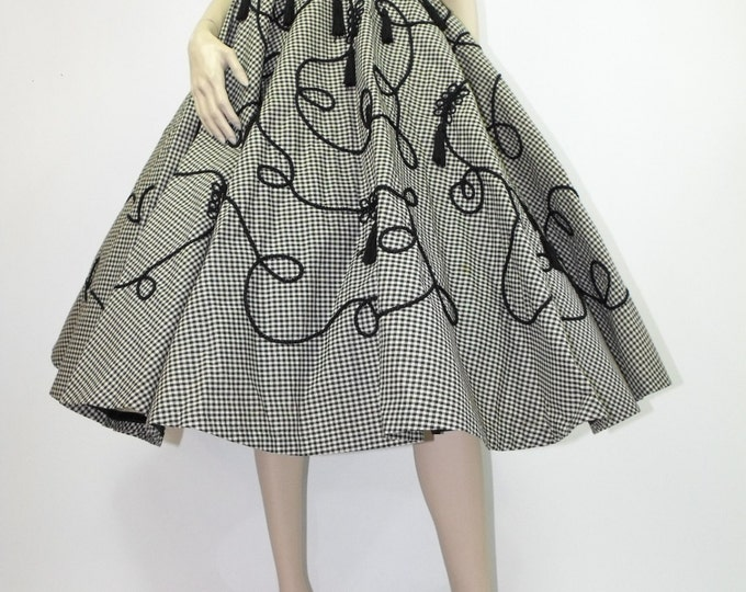 1950's Novelty Circle Skirt // Full Circle Skirt // Rockabilly Skirt // Black & Ivory Gingham Novelty Skirt with Tassels