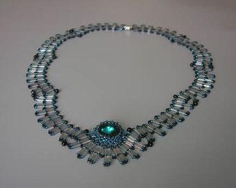 Tutorial - Wavy Tila necklace - Tila and Rivoly Tutorial