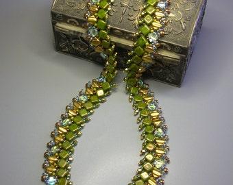 Tutorial - Pandora Box Necklace - Silky, Czech Mates, O beads  and Fire polish beads