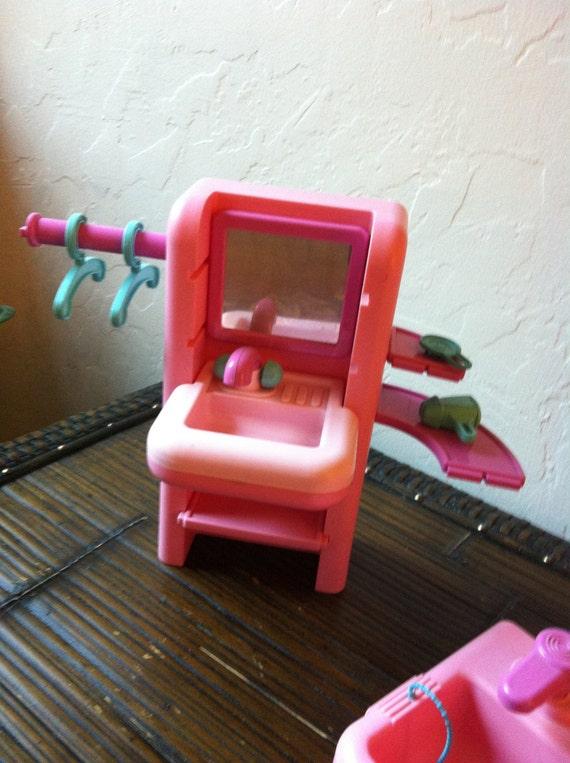 Maison de poupée de Barbie meubles de salle de bain Vintage MOLTO VIGNETTE  & accessoires lavabo baignoire