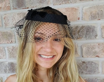20 Vintage Cain-Sloan of NY Ladies/' Pillbox Hat w Celluloid Twists
