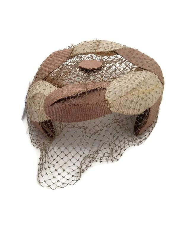 Vintage 1950s 1960s Cream Linen Pillbox Hat Fascinator w Netting