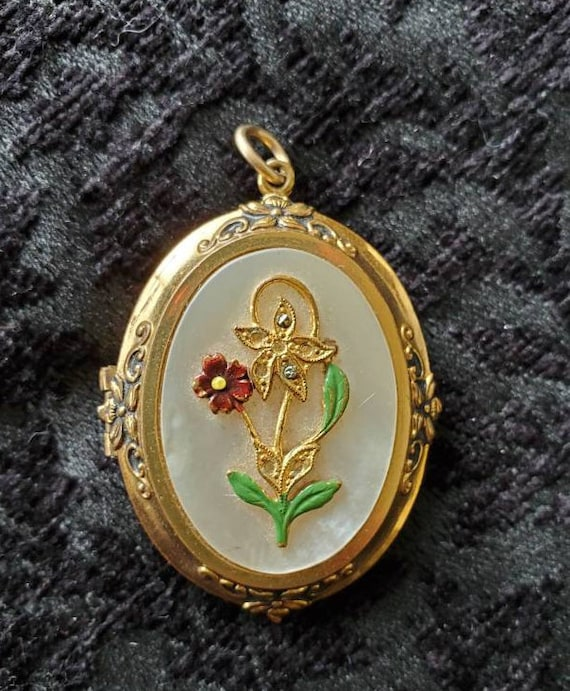 Antique Locket 1940s Locket With Picture, Large L… - image 9