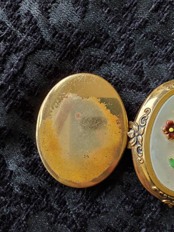 Antique Locket 1940s Locket With Picture, Large L… - image 6
