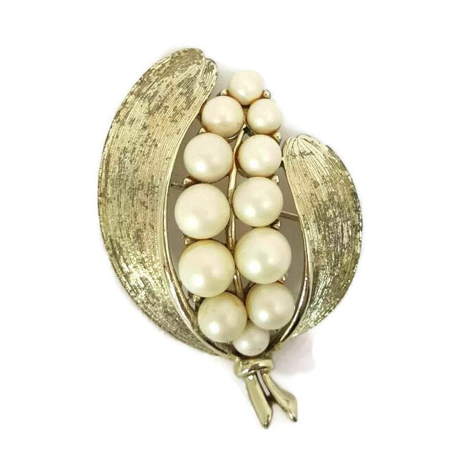 54ac5f2a688 LISNER, Pearl Brooch, Gold Costume Jewelry, Lisner Jewelry, Lisner Brooch, Pearl  Brooches, Wedding Jewelry, Old, Bridal, Antique Jewelry