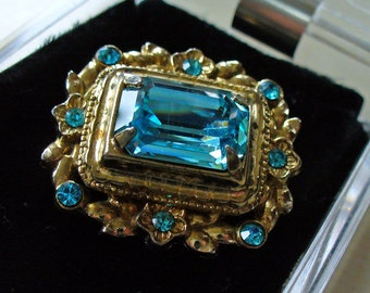 Vintage Signed CORO Aquamarine Art Nouveau Brooch Estate Jewelry Rhinestones 1919