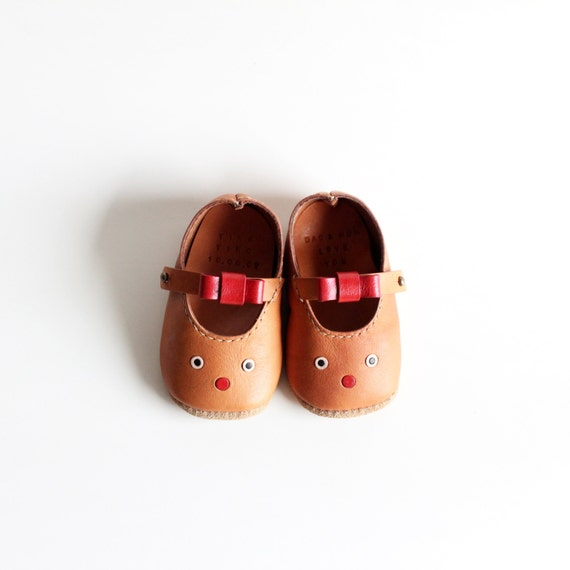 Items similar to Handmade Leather Baby Shoes (C) on Etsy