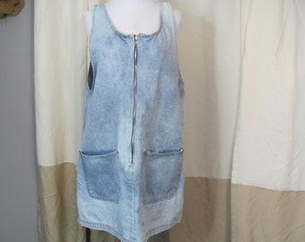 9c6689aaae1 Vintage 90s Baggy Oversized Denim Bleached Jumper Dress   Boxy   Zip Front    Big Pockets   Loose Fit   Jean   Sleeveless   Market Dress