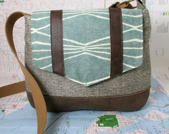 Colorado. Crossbody messenger bag - Southwestern purse - Tribal - Geometric - Vegan purse- Travel bag- Tweed - Mint - Medium - Ready to ship