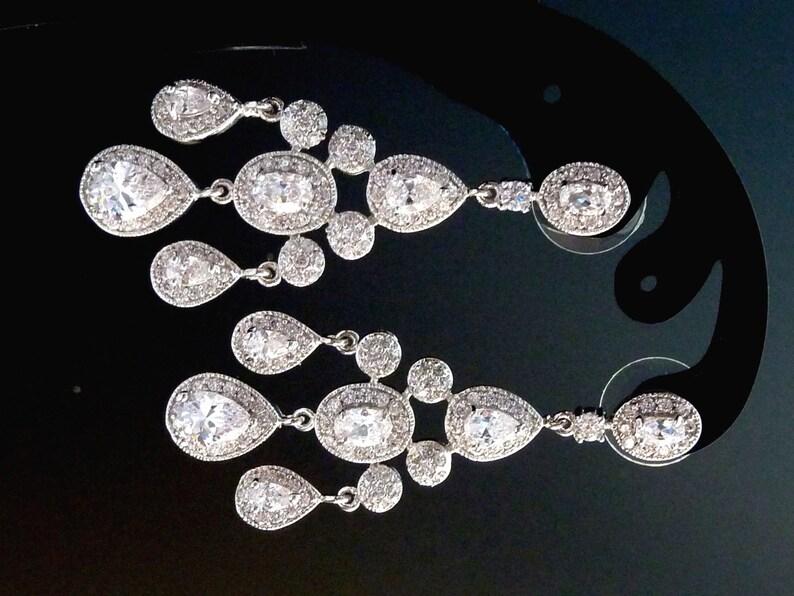 9ee66296 Pendientes de novia - Halo blanco claro de lujo Multi Peardrop Cubic  Zirconia pendientes de boda de araña