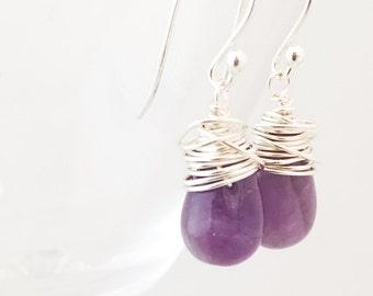 Boucles d'oreilles améthystes - fil enveloppé boucles d'oreilles - Boucles d'oreilles argent améthyste - violet pierres précieuses boucles d'oreilles - Boucles d'oreilles argentées violet