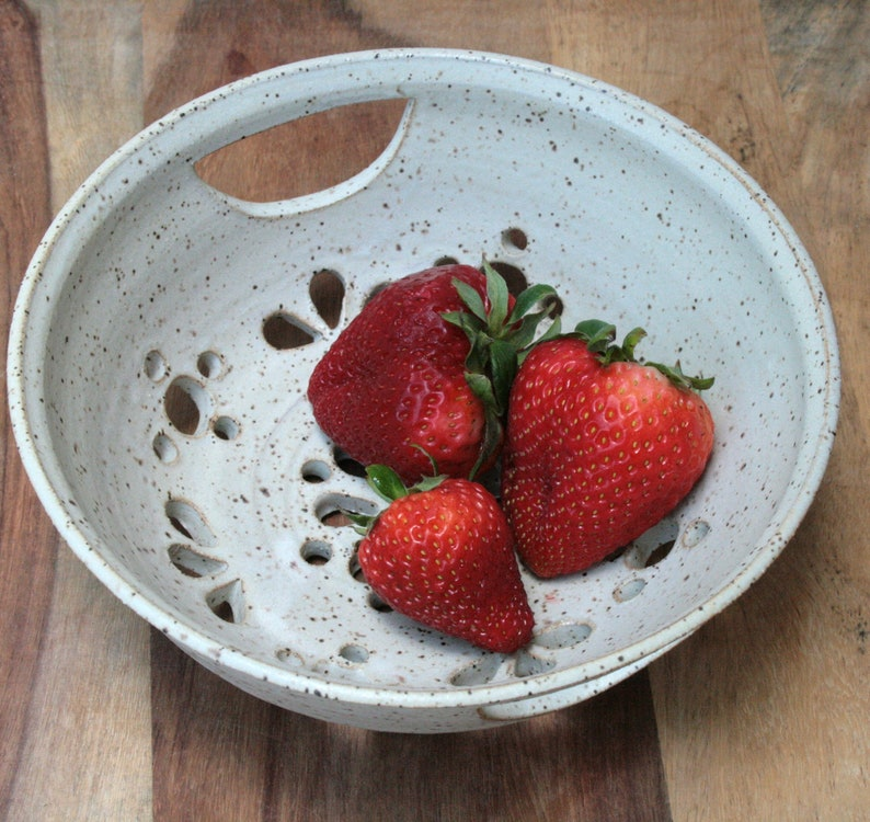 Berry Bowl Colander Speckled Stoneware.