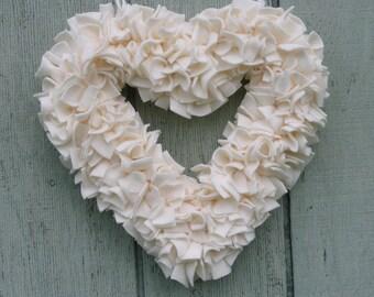 Ivory Heart Wreath -- Wedding Decor -- Cream Wreath --- Off White Wreath -- Fleece Wreath -- Spring Wreath -- Wedding Wreath -- Rag Wreath