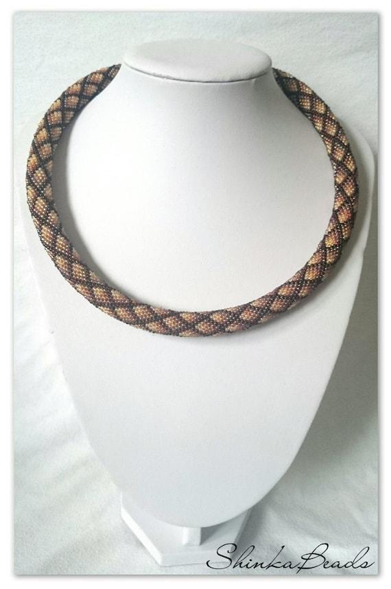 Braun geometrische Halskette Rauten Muster Perle häkeln