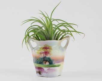 Vintage Porzellan Noritake Vase mit Hand gemalte Szene - Miniatur Doppelgriff Bouquet Vase aus Japan