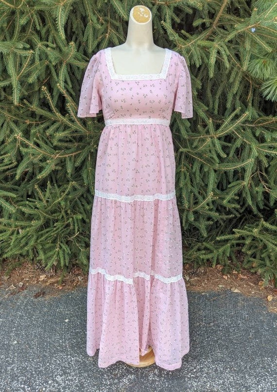 Vintage 1970s pink floral cotton prairie dress XS