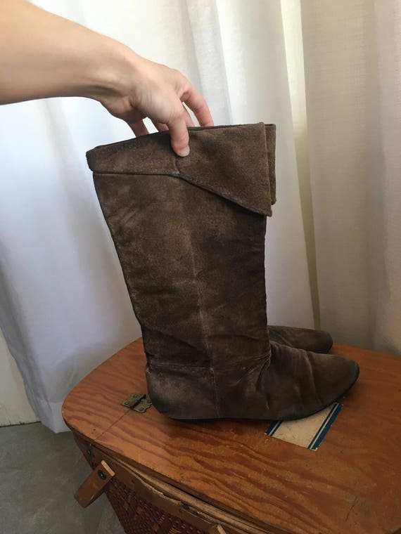 Tall + Soft 1970's Peter Pan Boots - image 3