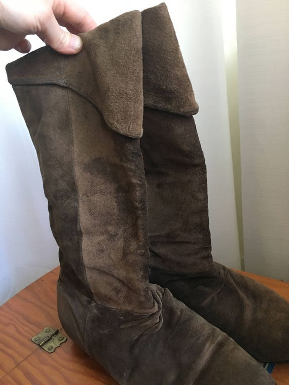 Tall + Soft 1970's Peter Pan Boots - image 4