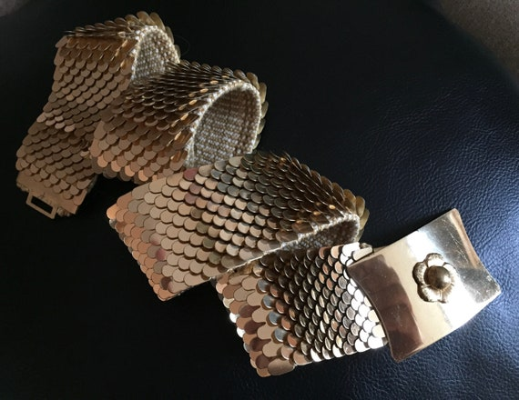 Vintage Gold Fish Scale Stretch Belt