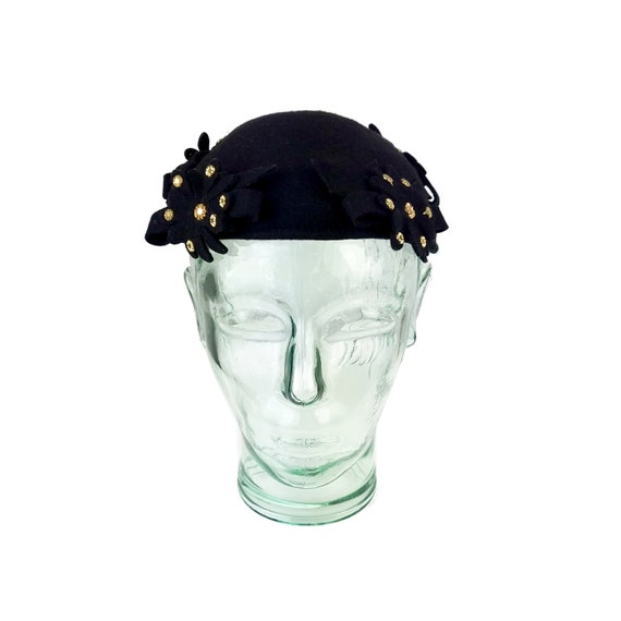 1940s Black Wool Felt Skull Cap with Studded Flowe