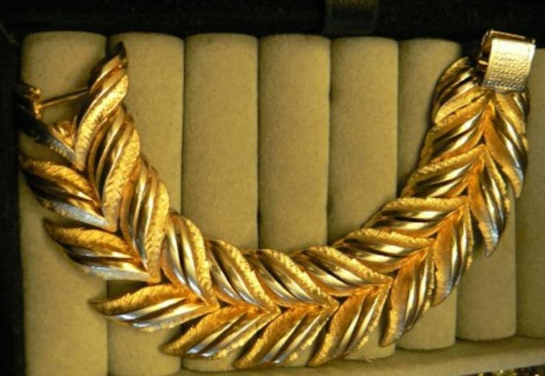 vintage jewels ...  Stunning CORO PEGASUS marked BRACELET wide image 0