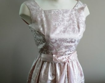 vintage dress ... so PRETTY in PINK PARTY dress ...
