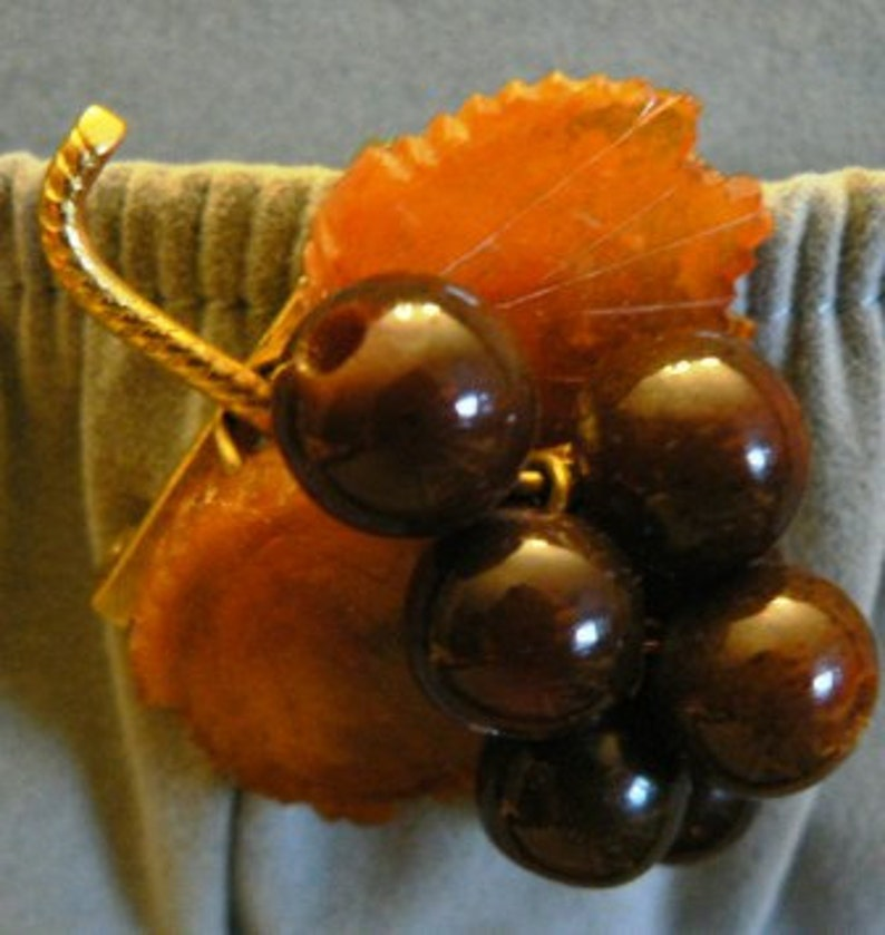 vintage jewels ...   Bakelite carved celluloid DANGLER Leaf image 0