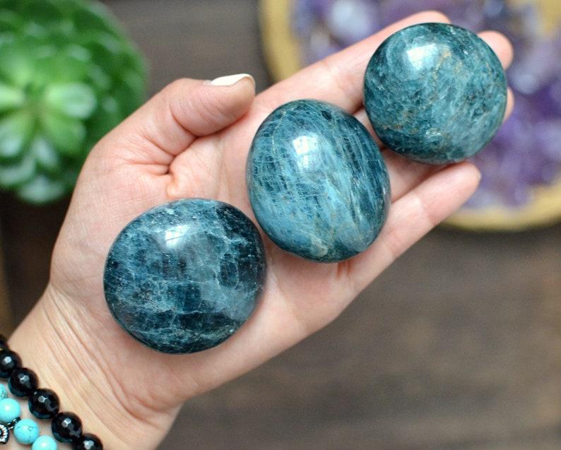 Apatite Palm Stone image 0