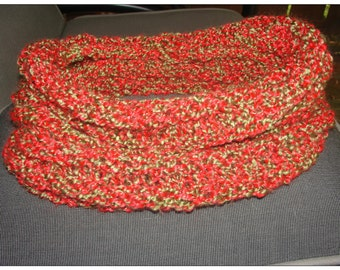 Christmas cowl, Christmas scarf, red cowl, green cowl, gold cowl, red scarf, green scarf, gold scarf, winter cowl, winter scarf, warm