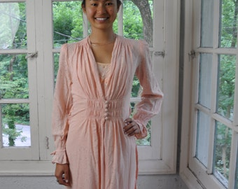 Blush Vintage Dressing Gown Vintage c. 1940s Floor Length Peachy Pink Silk  Robe Old Hollywood Glamour Small to Medium 959c299d3