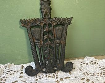 Antique Griswold Cast Iron Lace Trivet 1728 Grain Wheat Tassel Kitchen