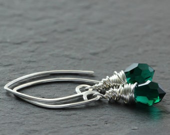 emerald green crystal earrings / sterling silver drop earrings / May Birthstone earrings / gifts for her / free shipping Canada