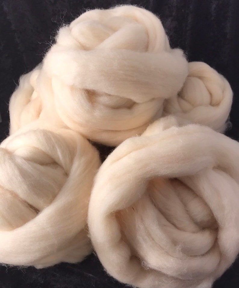 White Domestic Crossbred Top Roving  4 Ounces Bradford count image 0