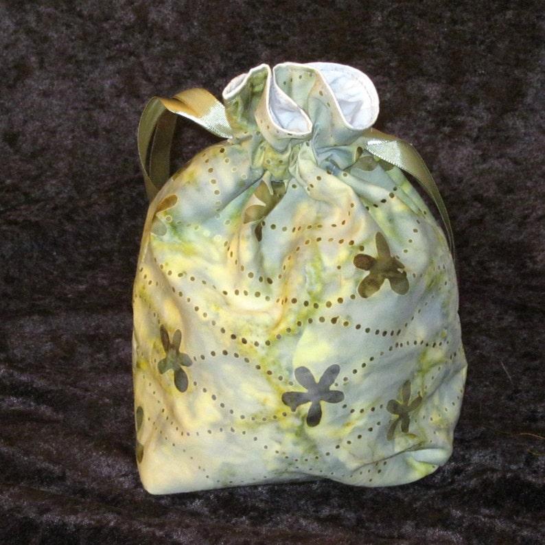 Medium Adventure Bag image 0