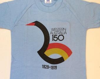 af073eb0e 1979 Australian kid's graphic t-shirt