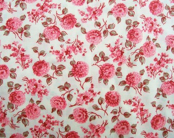 New 1963 Prentiss Lane PINK CARNATION FABRIC 40x76 Lightweight Cotton 2 yards Craft Sew Petite Floral