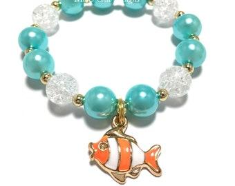 Toddler or Girls Small Beaded Fish Charm Bracelet - Turquoise and Orange Fish Bracelet - Ocean theme bracelet - Clown Fish Bracelet