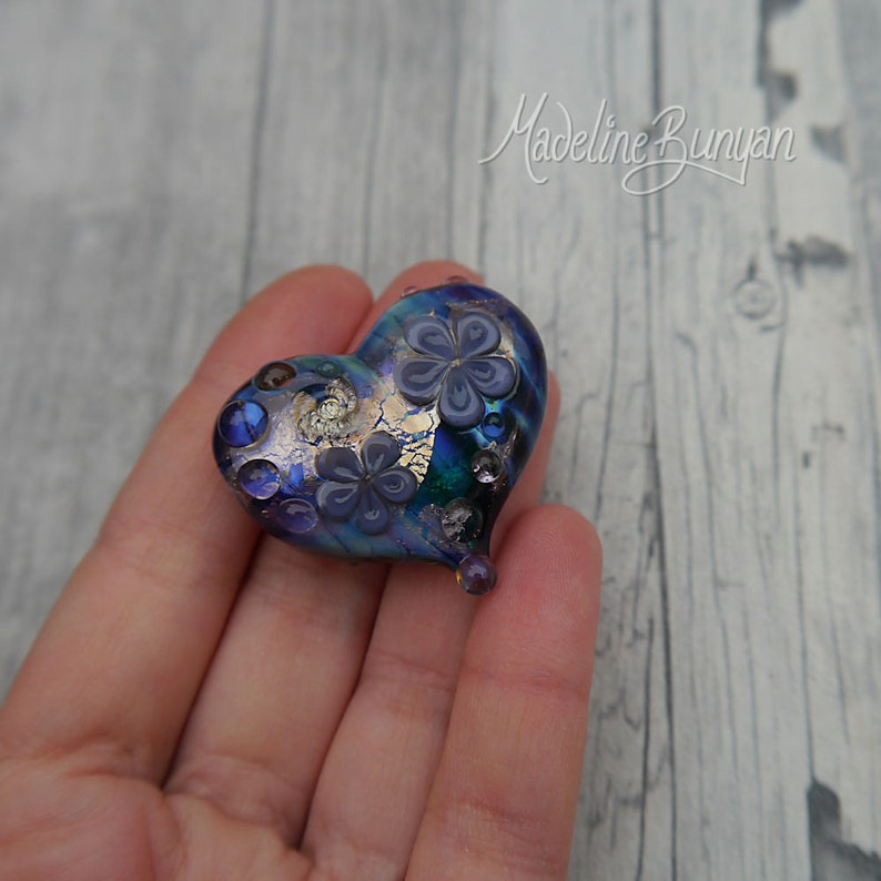 A Really rude word Heart shaped pretty flower Lampwork Focal image 0