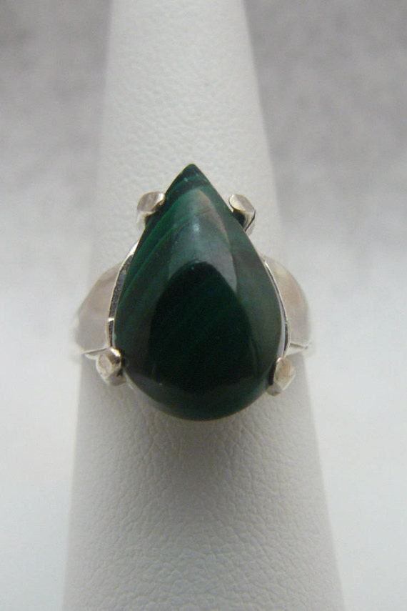 4c16ee1a331f5 Gorgeous Handmade Genuine Green Malachite Pear Shape Gemstone Sterling  Silver Ring Size 7 1/2