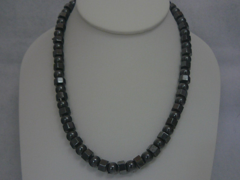 Magnetic  Magnetite Hexagonal and Round Bead   Therapeutic Necklace