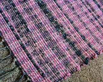 handmade woven rag rug pink and black loom woven south dakota made