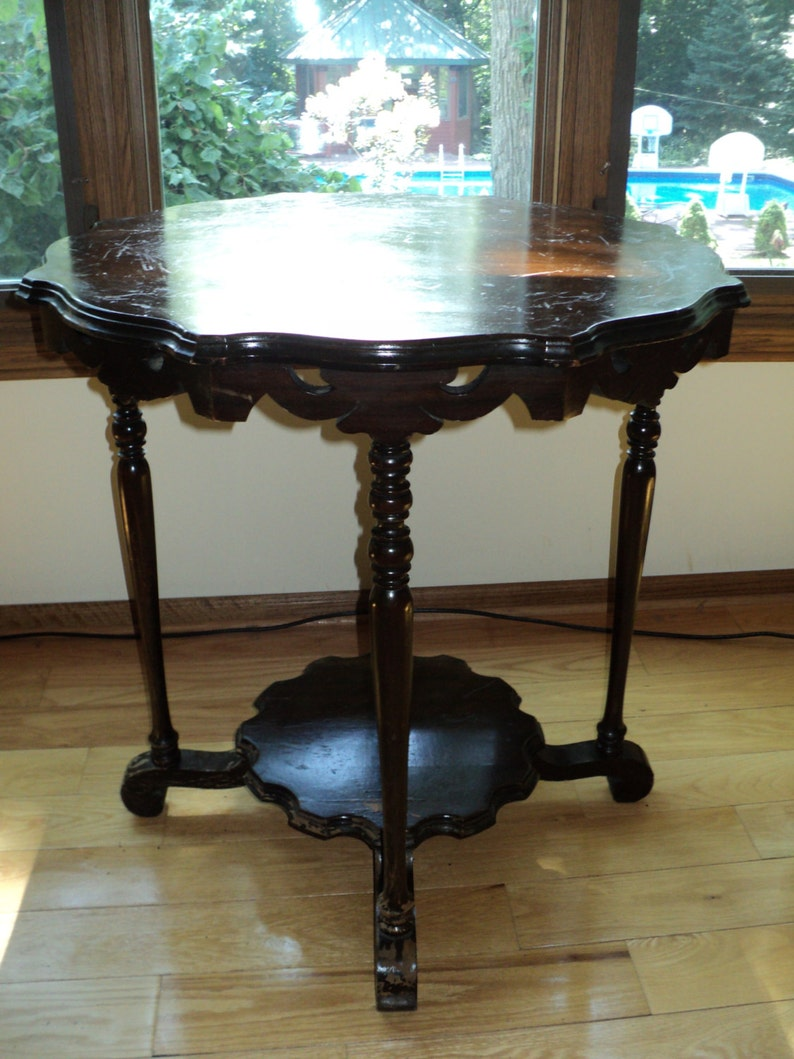 FREE DELIVERY Within 30 Mile Radius in Chicago or NW Indiana Antique  Victorian Style Octagon Shaped Accent Table made of solid wood